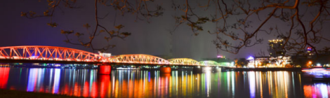 Truong Tien bridge at night