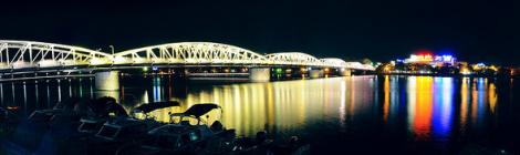 Truong Tien bridge-Huong river