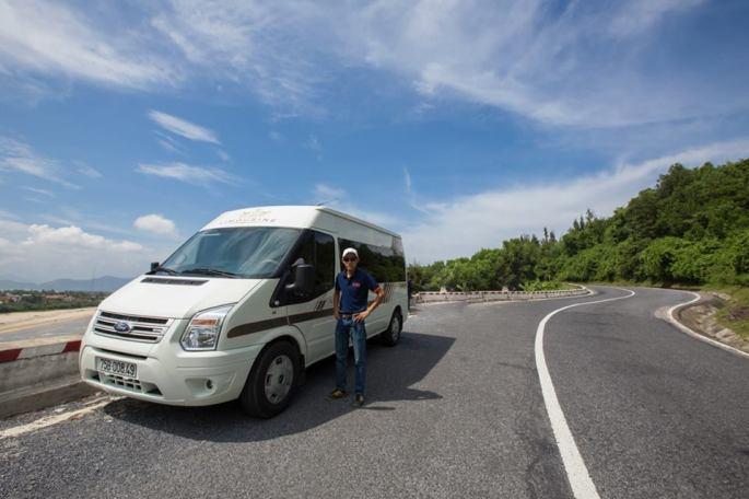 Luxury Dcar at Hai Van pass