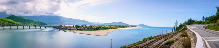Hai Van pass & Lang Co beach
