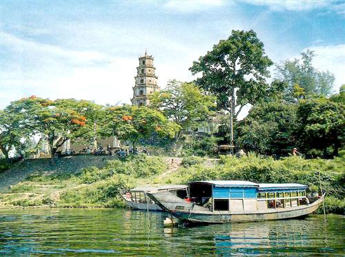 Thien Mu pagoda-Hue Vietnam